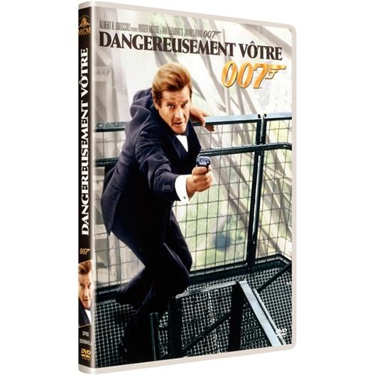 Dangereusement vôtre : Roger Moore, Christopher Walken…